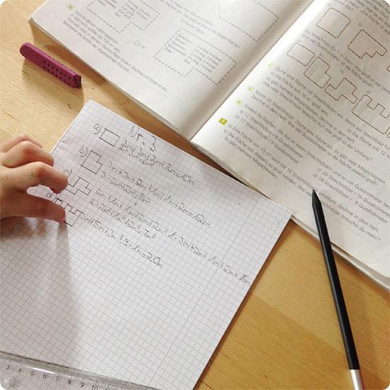 12 von 12 - Mai 2014 - Hausaufgaben 4. Klasse - Mathe