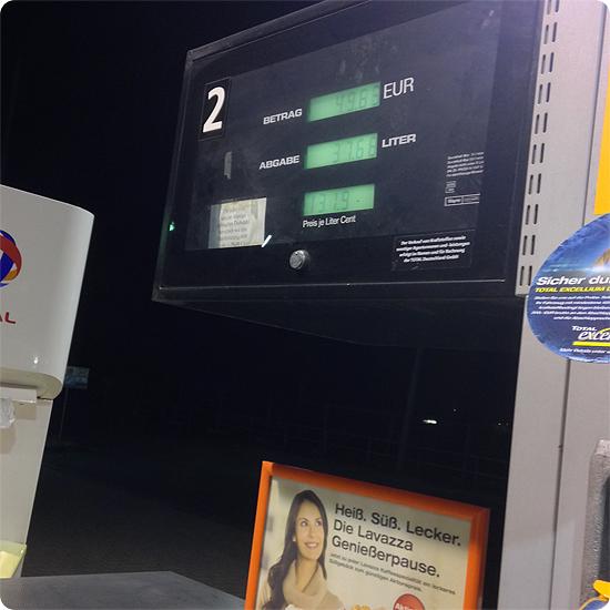 12 von 12 - Februar 2014 - Tankstelle - tanken - Diesel