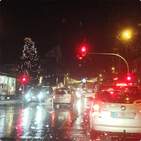 12 von 12 - Dezember 2014 - Lichter in der Stadt blenden