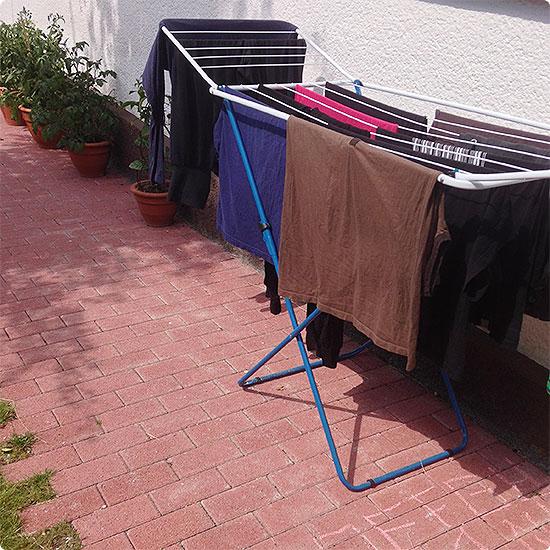 12 von 12 - Juli 2014 - Wäsche in der Sonne