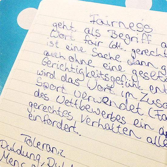 12 von 12 - November 2014 - Hausaufgaben kontrollieren