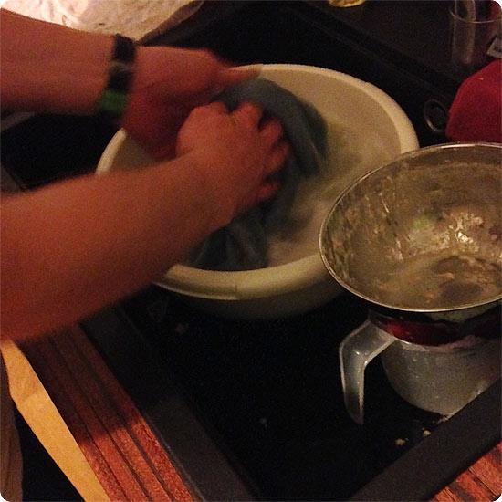 12 von 12 - April 2014 - der Mann macht den Abwasch