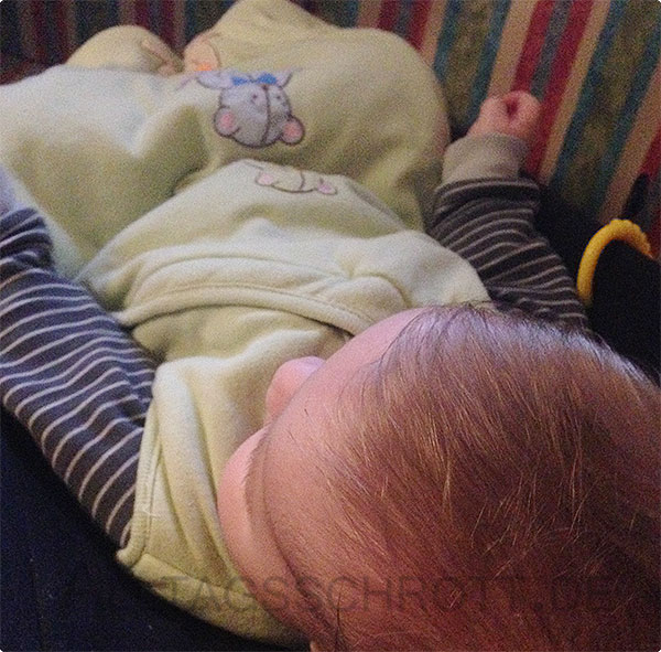 12 von 12 - Novemberi 2015 - Baby in der Wippe