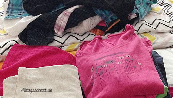 12 von 12 - Juli 2015 - Kleiderschrank ausmisten