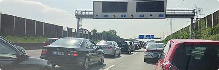 Ausflug ins Phantasialand - die Fahrt - Stau auf der Autobahn