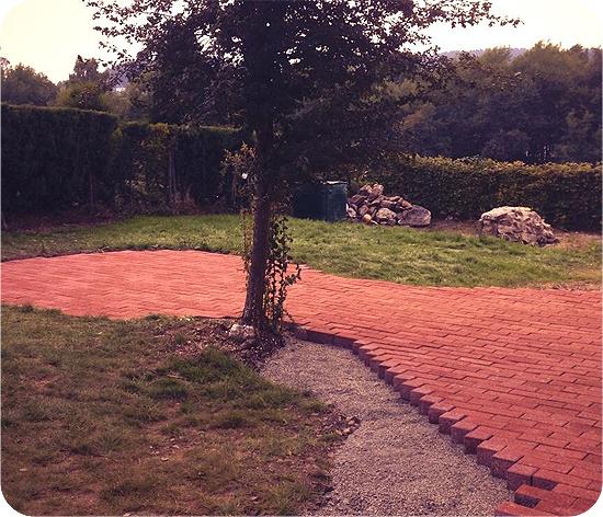 Ein Garten entsteht. #2 - Endergebnis nach einem Tag Arbeit - Pflasterfläche
