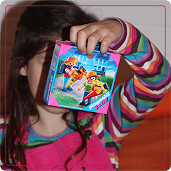 Die Prinzessin beim Geschenke auspacken