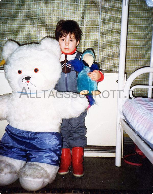 #bloggerfuerfluechtlinge - Flüchtlingskind - 1989