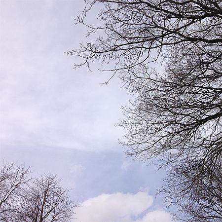 Etwas Schönes? - Der blaue Himmel nach dem Regen heute.