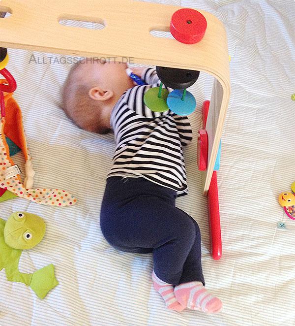 Wochenende in Bildern - Baby auf der Spieldecke