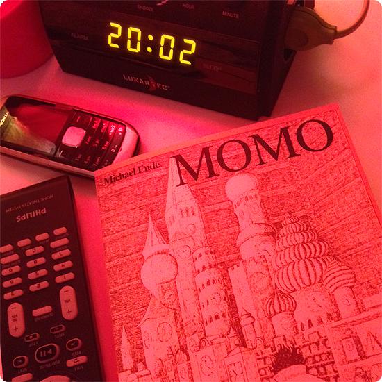 12 von 12 - Januar 2014 - MOMO - Michael Ende - Buch - vorlesen