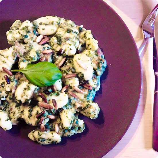 vegetarisches Essen - Gnocchi mit Spinat