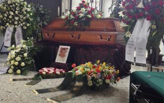 Beerdigung des kleinen Bruders
