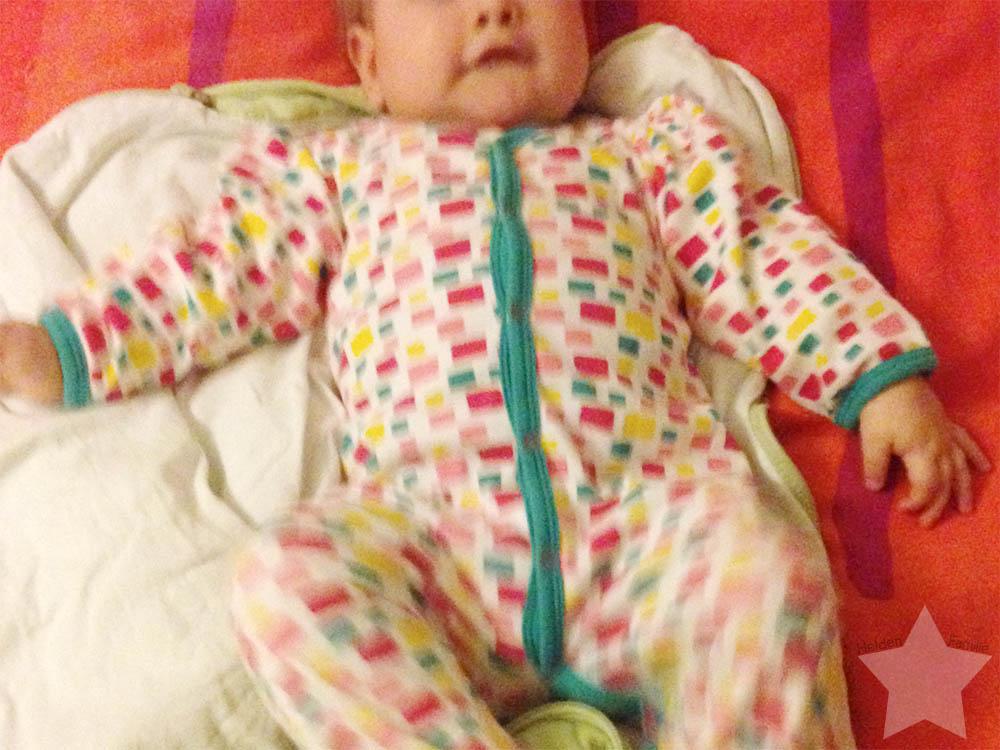 12 von 12 - Januar - Baby freut sich ins Bett zu gehen