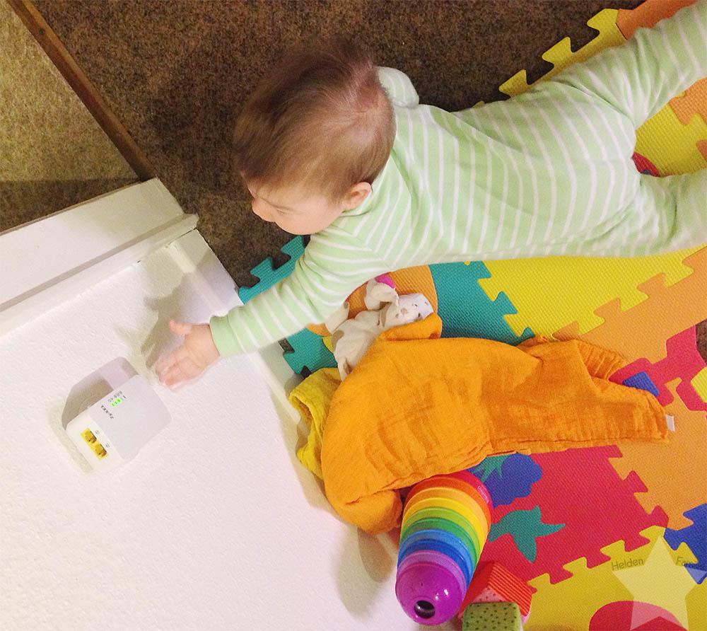 12von12 - Februar 2016 - Baby klaut WLAN-Adapter