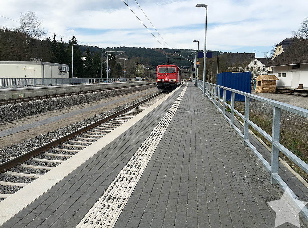 12 von 12 - April 2016 - Zugfahrt zur UNI