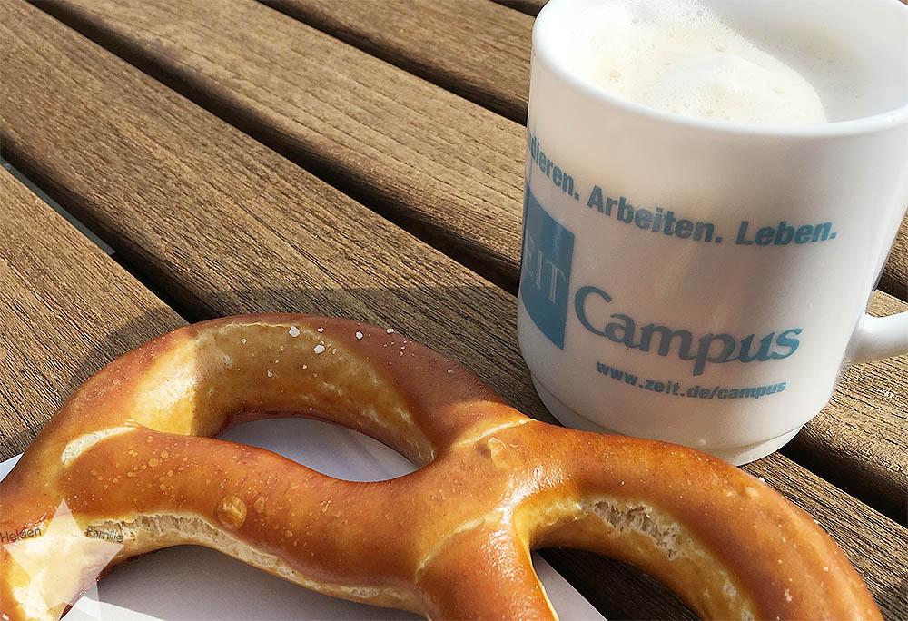 12 von 12 - April 2016 - Brezel und Latte Macchiato zum 2. Frühstück