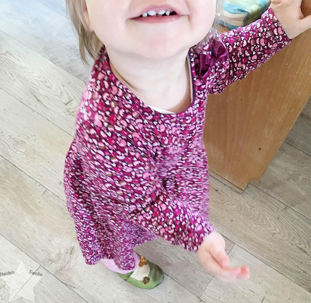 12 von 12 - Mai 2016 - Baby im Kleid
