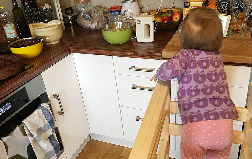 Wochenende in Bildern - Baby im Montessori-Lernturm
