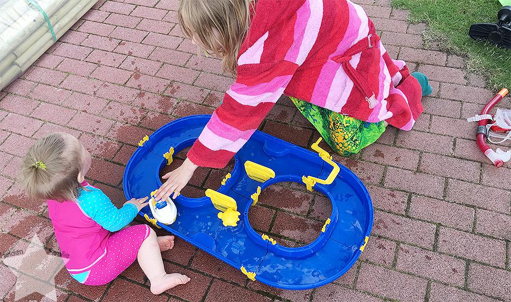 Wochenende in Bildern - Gartenidylle - Waterplay auch für große Kinder spannend