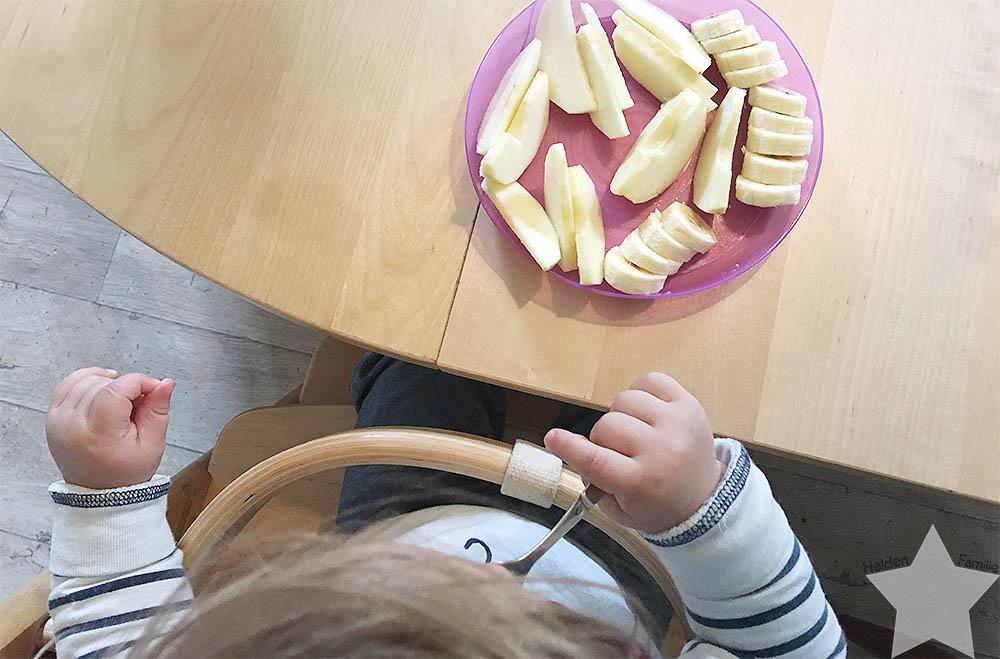 12 von 12 August - Alltagswahnsinn - Obstsnack mit der Gabel essen