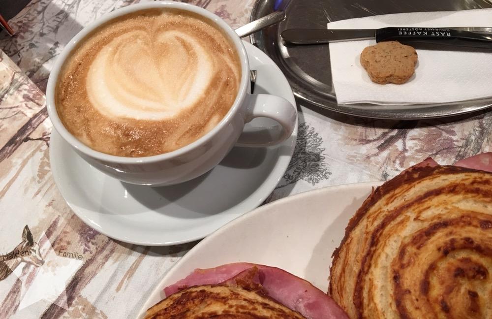 Wochenende in Bildern - Fahrt nach Italien - Frühstück in der Schweiz