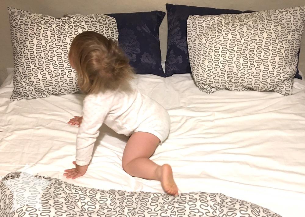 12von12 im Oktober - Shopping-fail - Baby tobt im Bett
