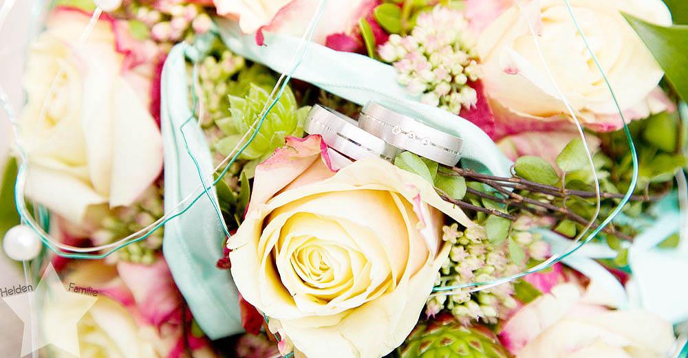 meine Hochzeit - endlich verheiratet - Fotos vom Fotografen - Brautstrauß