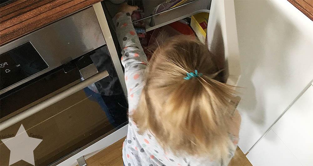 Wochenende in Bildern - Putzaktion & Babyvorbereitungen - Drehschrank ausräumen