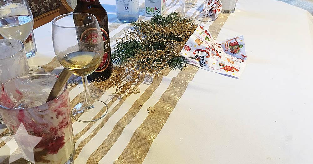 Weihnachten - Tisch-Chaos nach dem Essen