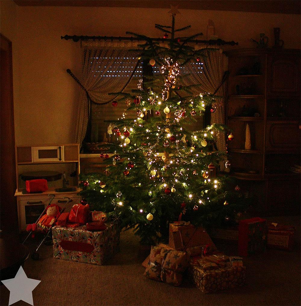 Weihnachten - Geschenke unter dem Baum