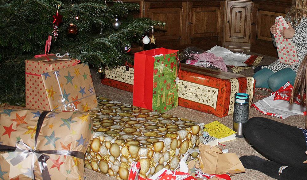 Weihnachten - Geschenke auspacken