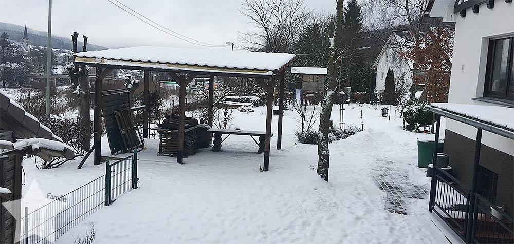 Wochenende in Bildern - Nähprojekte & Schneegestöber - Ausblick in den Garten
