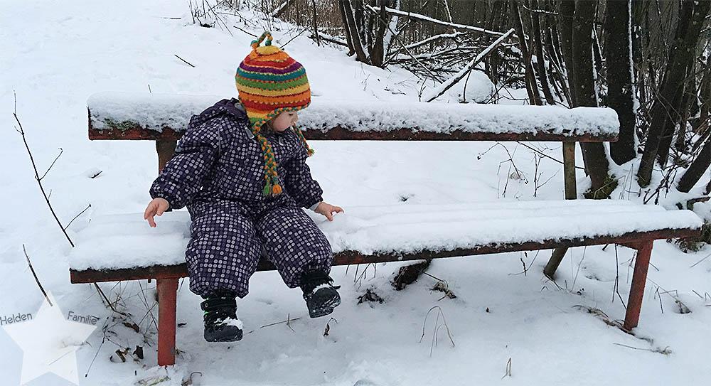 Wochenende in Bildern - Nähprojekte & Schneegestöber - Kleinkind im Schnee