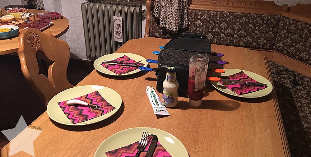 Jahreswechsel 2016/2017 - Raclette mit Kleinkind
