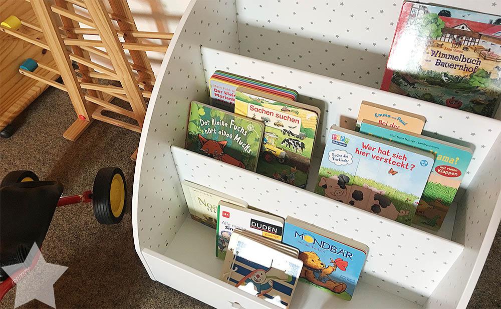 Wochenende in Bildern - Kinderkram und Haushalt - Bücherregal