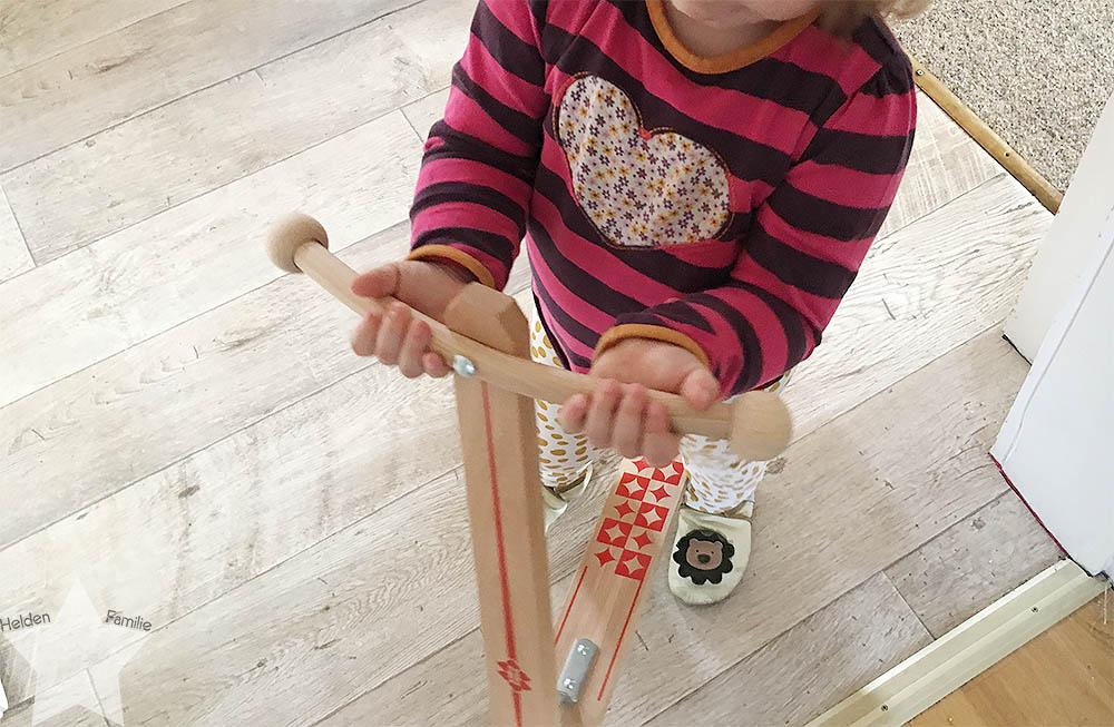 Angrillen und Sonntagseinladung - Wochenende in Bildern - www.helden-familie.de - Roller für das Kleinkind