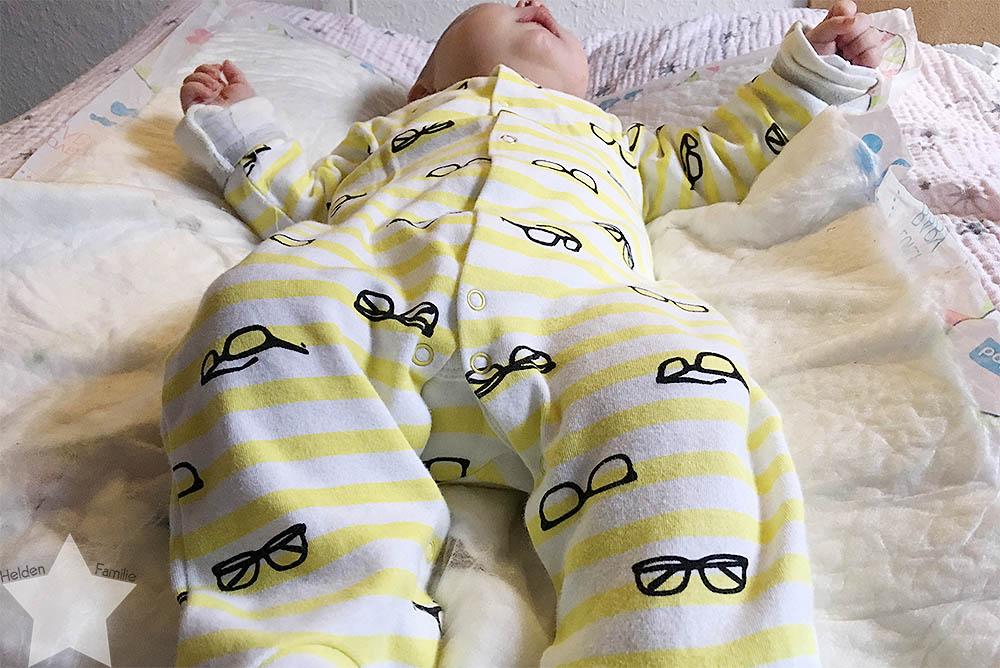 Sonnenwochenende - Baby wickeln