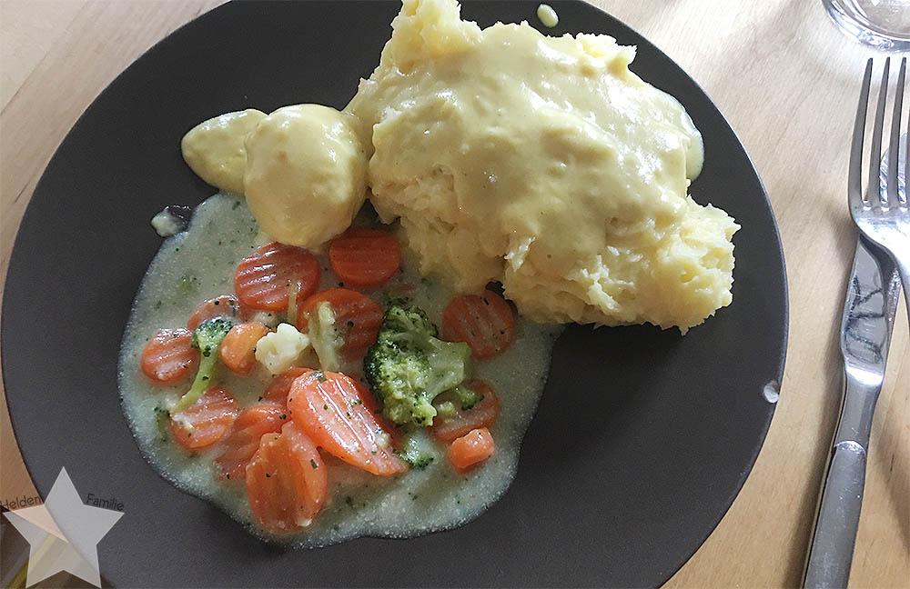 Ostern in Bildern - Senfeier mit Kartoffelpüree und Kaisergemüse