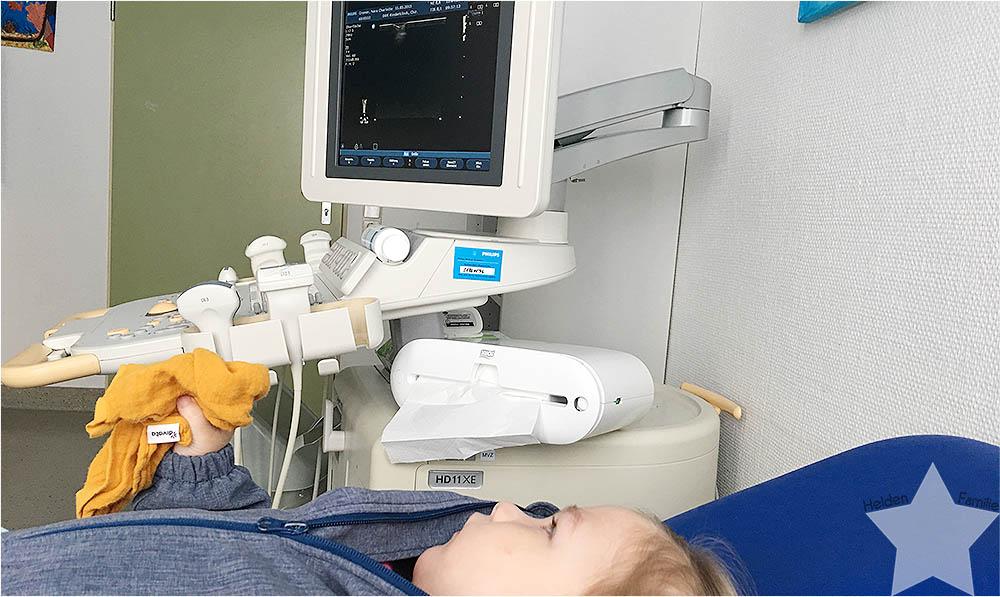 12 von 12 April - Kinderkrankenhaus - Ultraschalluntersuchung der Hüfte und Knie