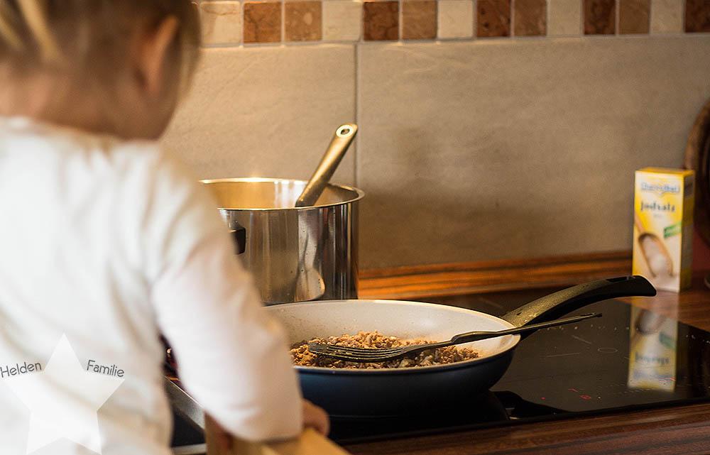 Wochenende in Bildern - kochen mit Kleinkind