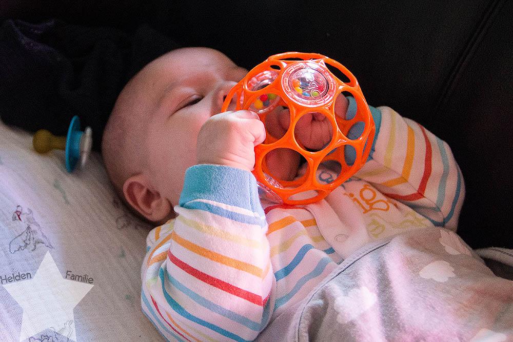 Wochenende in Bildern - Geburtstagsvorbereitungen & Muttertag - Baby mit O-Ball
