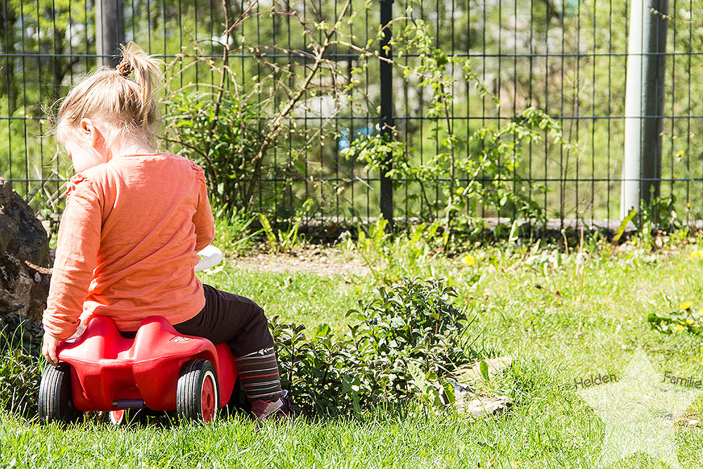 Wochenende in Bildern - Geburtstagsvorbereitungen & Muttertag - Kleinkind im Garten