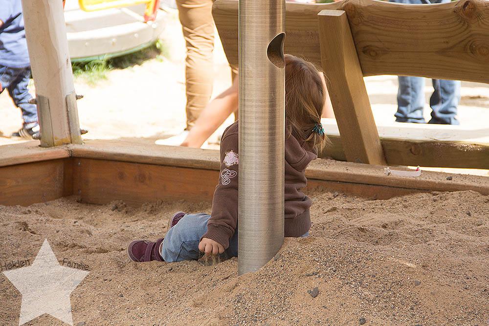 Wochenende in Bildern - ♥-Freunde Wiedersehen und Ausflug zum Affen- und Vogelpark - Kleinkind im Sandkasten