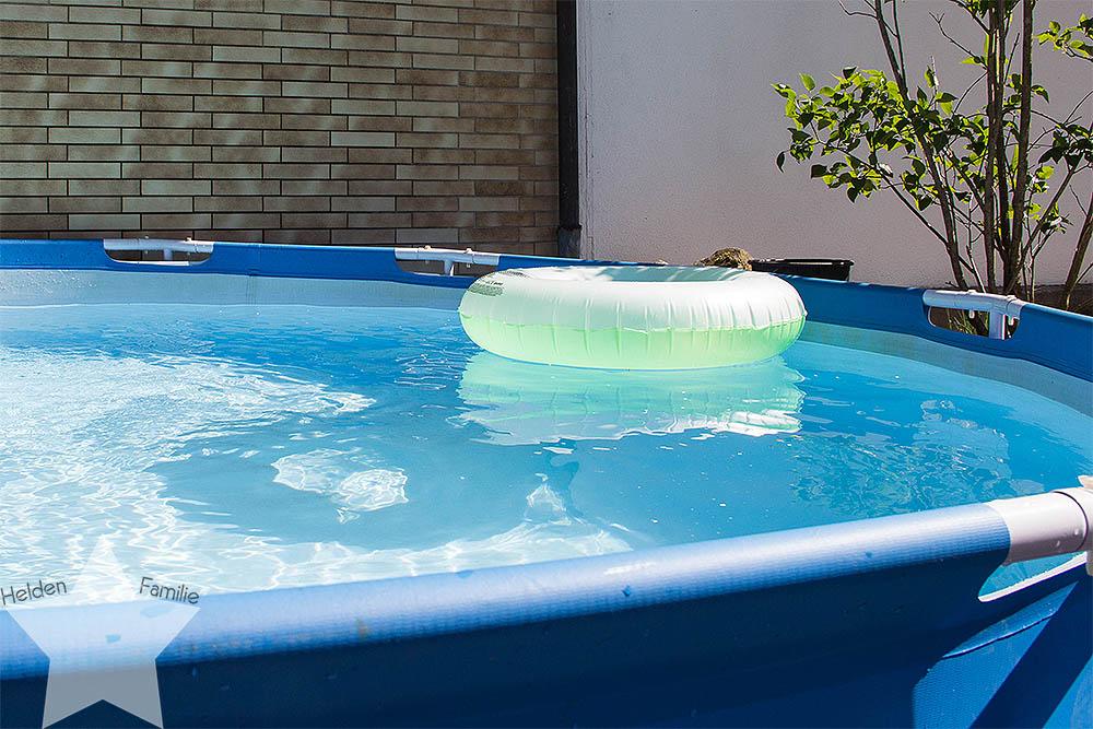 Wochenende in Bildern - Sonne, Garten, Wasserspiele - Poolzeit