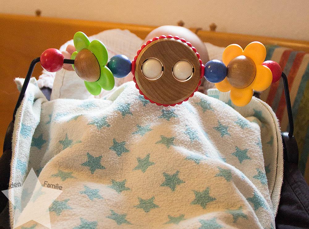 12von 12 - Morgenroutine - Baby wippt