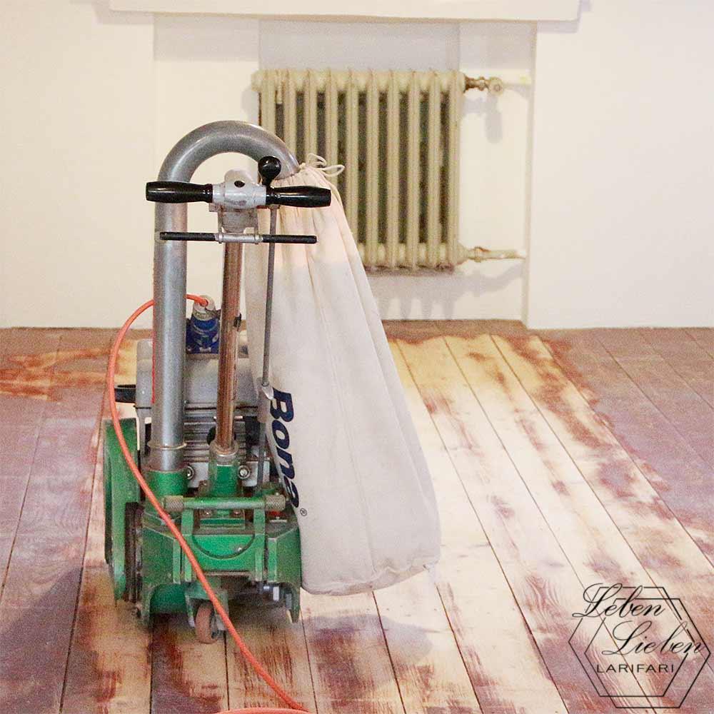 Renovierung - Walzenschleifer für das Abschleifen von Dielen