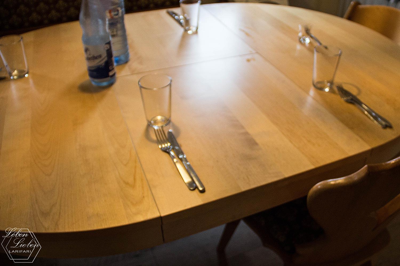 Lotte hat den Tisch gedeckt