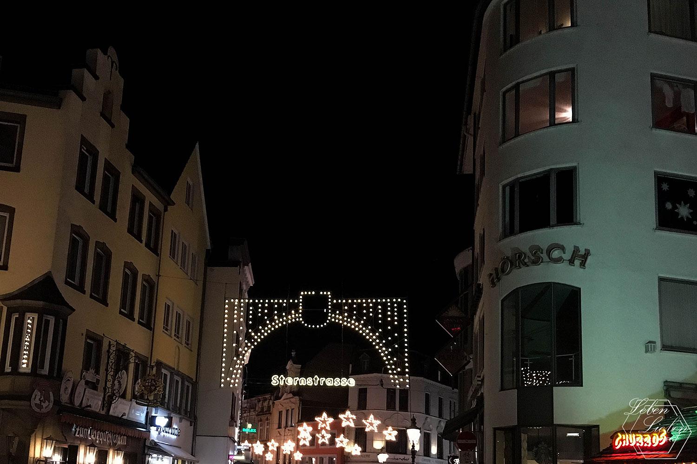 beleuchtete Sternstraße