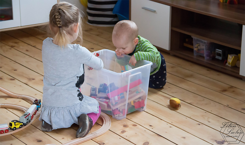 Geschwisterplüsch - Jona und Lotte spielen zusammen